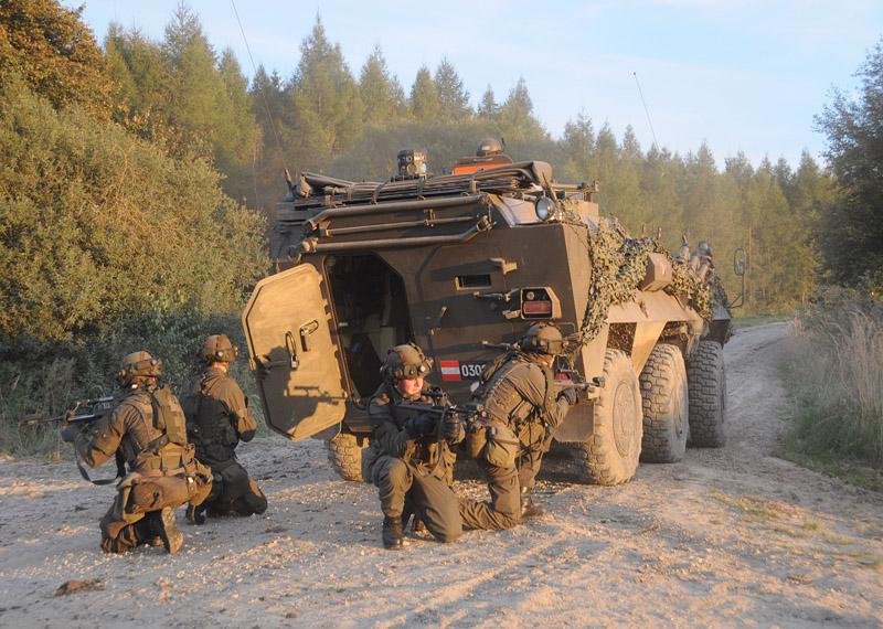 Radpanzer Pandur A1 am Waldviertler Truppenübungsplatz Allentsteig © Strobl
