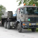 Sattelzugmaschine ÖAF 33.403 DFAS mit Tiefladesattelaufleger TMPL