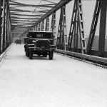 Schneefahrbahn auf der Behelfsbrücke