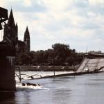 Trümmer der eingestürzten Reichsbrücke