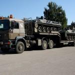Sattelzugmaschine ÖAF 33.403D FAS mit Dreiachs-Satteltiefladeanhänger 30t TLÜ/S30L