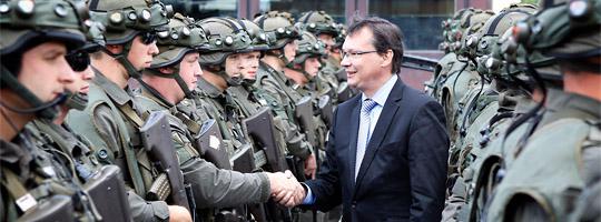 Verteidigungsminister Darabos