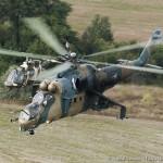 Mil Mi 24P Hind '336' und Bell OH-58B Kiowa '3C-OL'