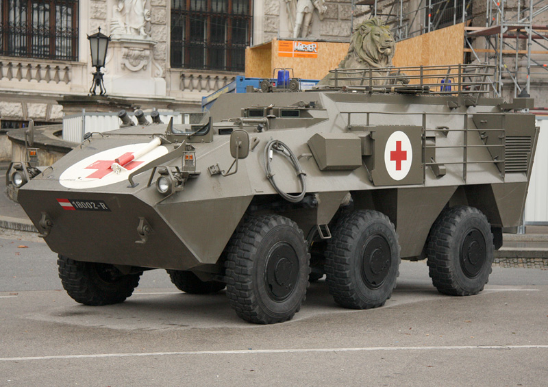 Sanitätsradpanzer Pandur 6x6