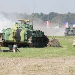 Schützenpanzer BMP-2 und Kampfpanzer T-72M4 CZ