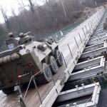 Radpanzer Pandur A1 auf der Schwimmbrücke