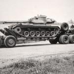M47 auf einem gepanzerten geländegängigen Sattelschlepper M-26
