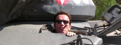 Arnold Schwarzenegger in seinem Kampfpanzer M47 Patton '331'