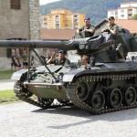 8. August 2012: Schwarzenegger am Steuer eines Jagdpanzers Kürassier A2 © Bundesheer