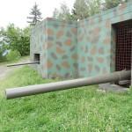 Mächtigstes Geschütz war die 15,5 cm schwere Feldkanone M2 'Long Tom' auf Schartenlafette. Reichweite: bis über 23 km. Gleich 5 davon waren in Kärnten am Haberberg verbunkert © Doppeladler.com