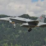 Feinddarsteller war diesmal diese McDonnell Douglas F/A-18C Hornet J-5016 der Schweizer Luftwaffe. Der Jet wurde in Zeltweg zur Landung gezwungen © Strobl