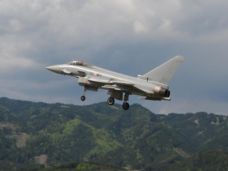 Eurofighter Typhoon 7L-WM © Strobl