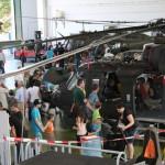 002 - Halle der Fliegerwerft 1. Hier wurde die Arbeit der Techniker, aber auch das Funktionsprinzip eines Hubschraubers erklärt