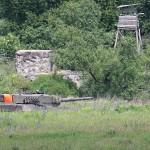 Kampfpanzer Leopard 2 A4 nahe eines aufgelassenen Checkpoints knapp außerhalb Kühbachs © Doppeladler.com