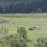 Sie beziehen hinter der Ortschaft Stellung und sichern den Abtransport © Doppeladler.com