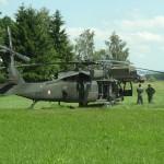 Die Ehrengäste sind mit dem Sikorsky S-70A-42 Black Hawk 6M-BE eingeflogen worden © Doppeladler.com