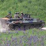 Die Sprengung einer sicheren Route durch das Minenfeld ist Aufgabe der Panzerpioniere mit ihren Schützenpanzern Saurer © Doppeladler.com