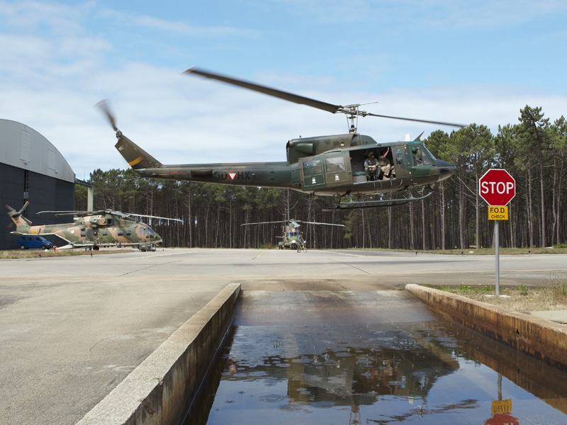 Agusta Bell AB-212 im Landeanflug auf die Ovar Air Force Base © Hot Blade