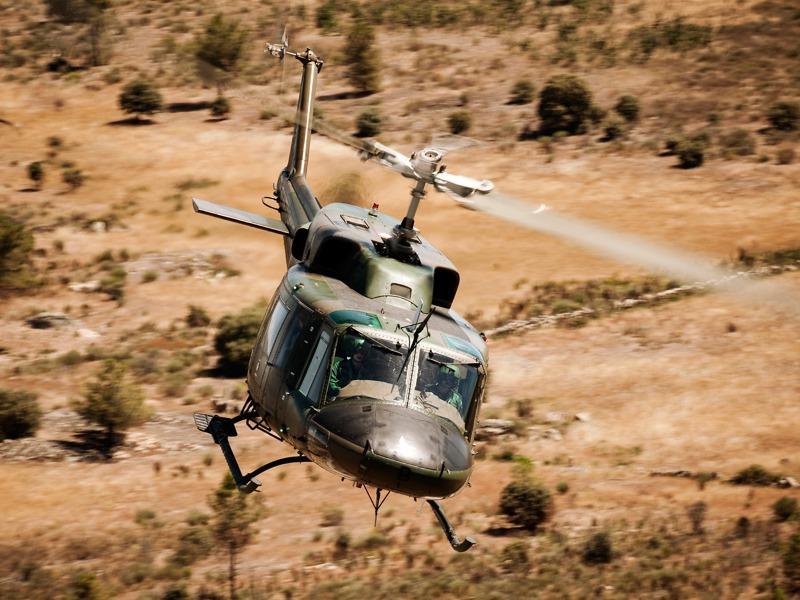 Agusta Bell AB-212 über Portugal © Gorub