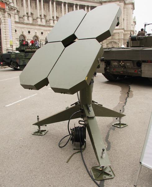 Genaue Wetterdaten sind für die Artillerie entscheidend. Hier ein Radiotheodolit RT20A © Doppeladler.com