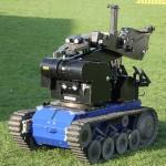 EOD Roboter tEODor für das gefahrlose Öffnen von Türen, Päckchen, etc. sowie zum Manipulieren oder Sprengen von Sprengkörpern © Doppeladler.com