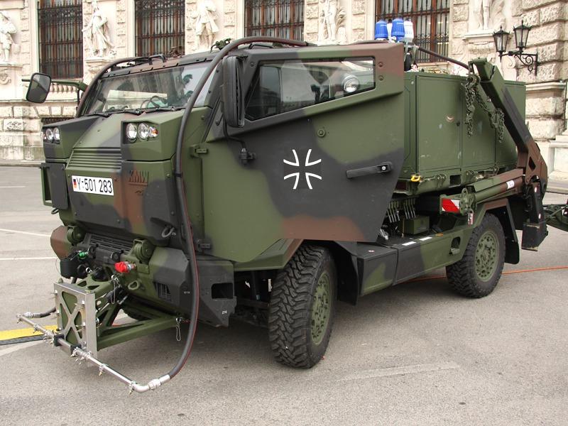 Leichtes Dekontaminationsfahrzeug auf Mungo Basis der Deutschen Bundeswehr © Doppeladler.com