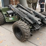 Der Palfinger FLG 140 Crayler ist ein fernsteuerbares Fernladegerät mit Allradantrieb. Es lässt sich kompakt zusammenklappen © Doppeladler.com