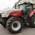 Splittergeschützter Steyr Traktor CVT 6205 der Heeresforstverwaltung. Mit diesem Gerät werden die Forstarbeiter auf den Truppenübungsplätzen von Munitionsresten und Blindgängern geschützt © Doppeladler.com