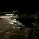 Lockheed F-16 MLU. Fast Jets sichern die Operationen aus der Luft © FLVFOT