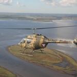 Bell OH-58B Kiowa über Dänemarks Küstenlandschaft © MzHSSt