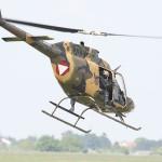 Nun greifen auch die Hubschrauber ein - ganz nebenbei sorgen sie für zusätzliche Ablenkung