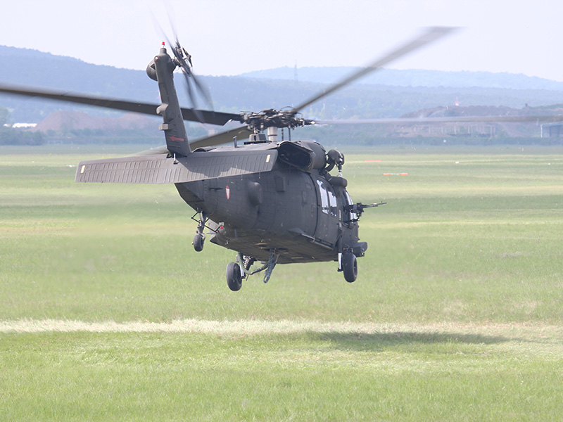 Die Spezialeinsatzkräfte können auf ein Hubschrauber-Element zurückgreifen, das in der Zusammenarbeit mit Kommandos bestens geschult ist