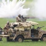 Denn die Wachen wurden durch Flash-Bang und Nebelgranaten abgelenkt