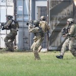 Das erste Team erreicht den Gebäudekomplex der Rebellen, in dem sich die Geiseln befinden