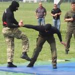 Das Entwaffnen eines mit einem Messer bewaffneten Angreifers