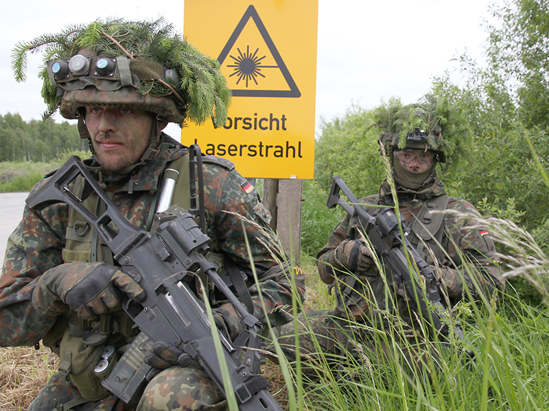 Deutsche Panzergrenadiere im Feld © Bundesheer / Kugelweis