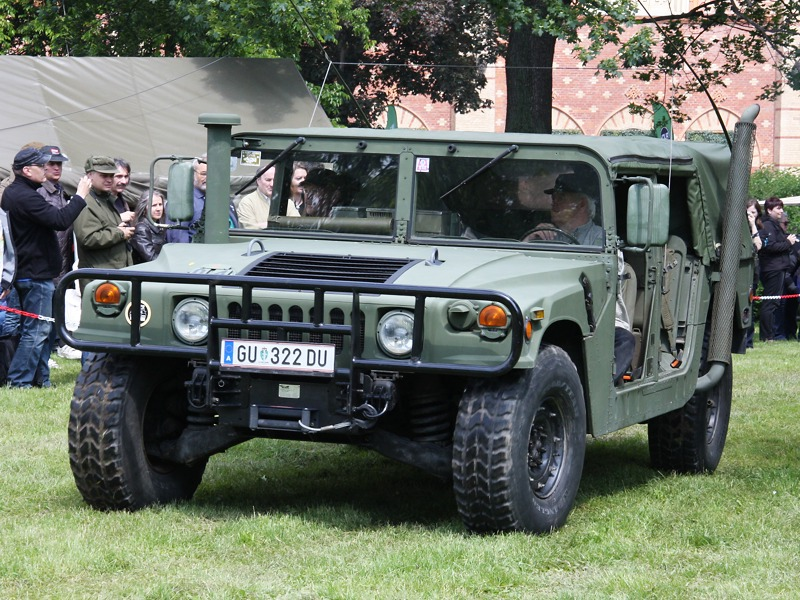High Mobility Multipurpose Wheeled Vehicle HMMWV alias Hummer © Doppeladler.com