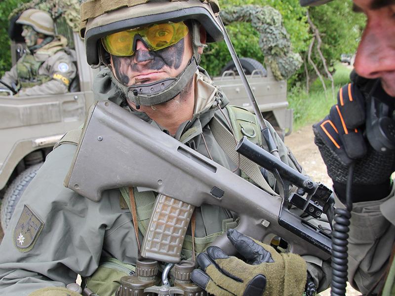 Soldaten der MFOR © Bundesheer / Kugelweis