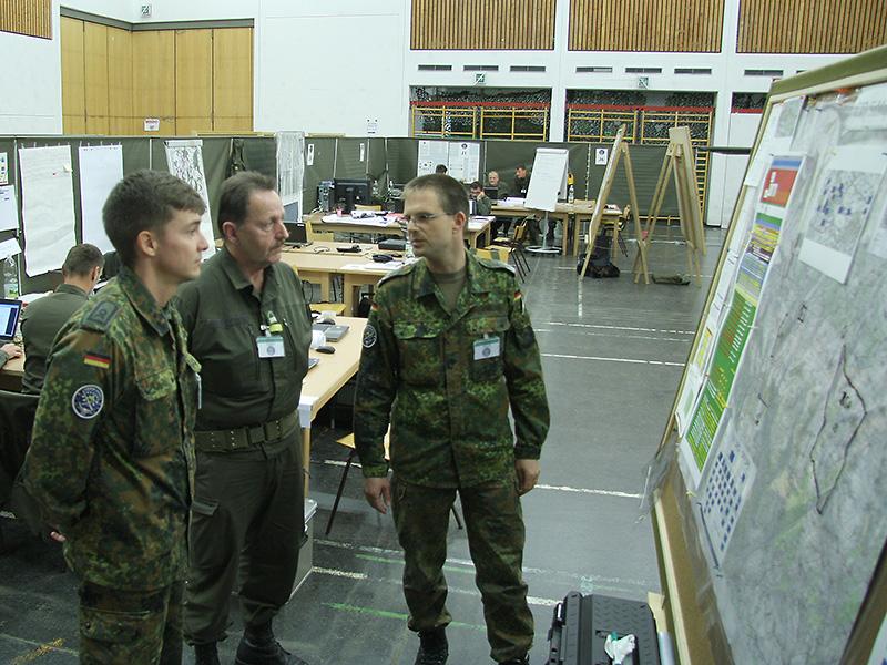 Auch die Leitstelle ist multinational besetzt © Doppeladler.com