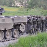 Im Schutz der Panzer rückt die Infanterie vor © Bundesheer