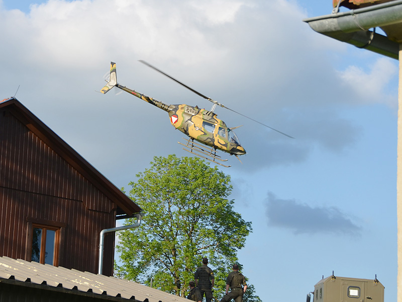 Unterstützung kommt aus der Luft - Bell OH-58B Kiowa © Bundesheer
