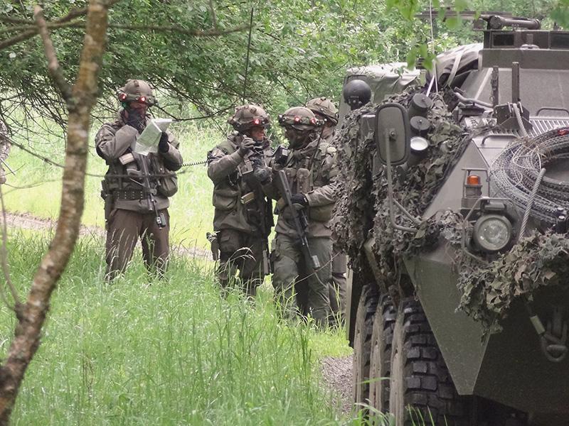 Das Jägerbataillon 17 aus Straß bekommt neue Befehle: Befreiung der Ortschaft Söllitz aus den Händen der Redländer © Doppeladler.com