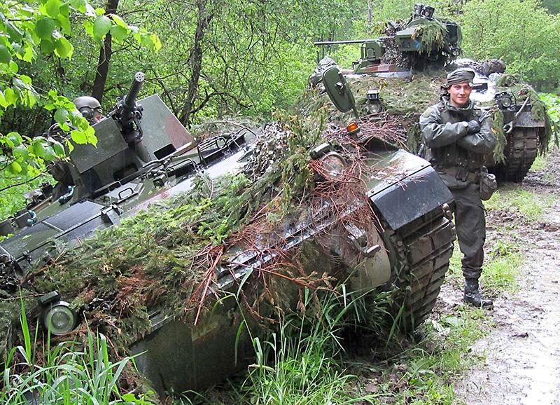 Deutsche und österreichische MFOR Truppen machen sich zum Sturm bereit © Bundesheer