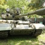 """Kampfpanzer T-55 aus Beständen der DDR. Einige ex-DDR Panzer wurden zum """"Anschießen"""" beschafft © Doppeladler.com"""