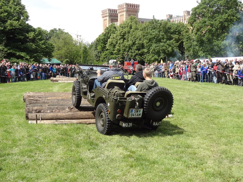 Willys Jeep bei der Vorführung der Militärfahrzeuge © Doppeladler.com