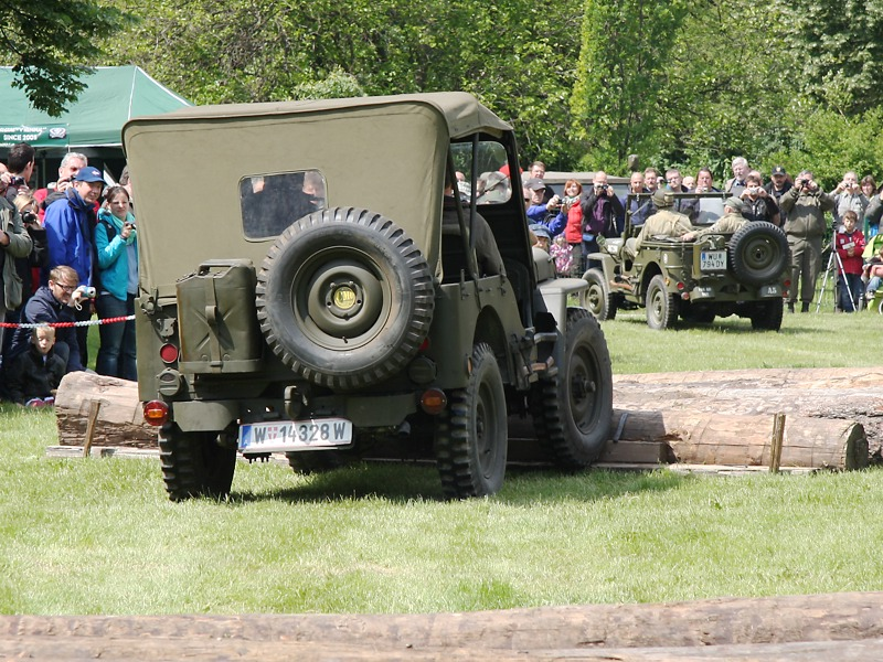 Willys Jeeps auf dem Parkour © Doppeladler.com