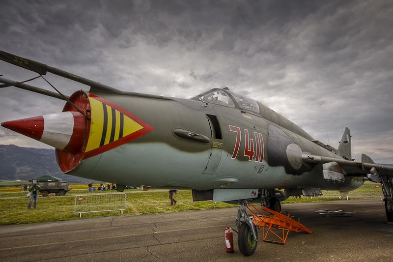 """BS1 - Sukhoi Su22 M-4 """"Fitter"""" 7411 der polnischen Luftwaffe im Grounddisplay © Bernhard Sitzwohl"""