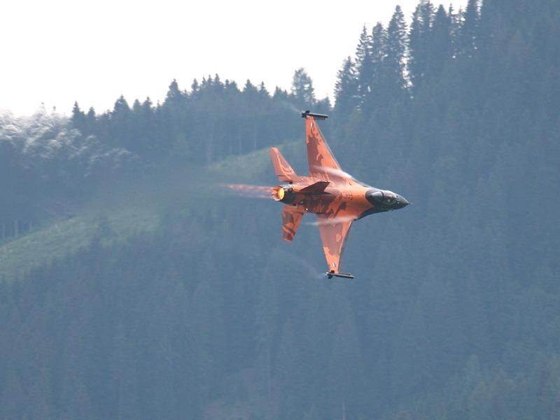 Lockheed Martin F-16 MLU Fighting Falcon