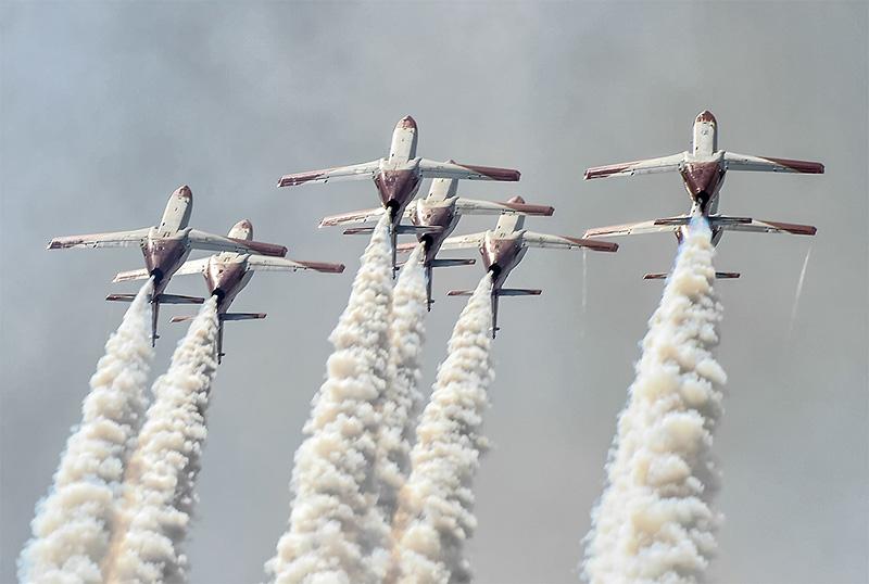 FM2 - Rolle rückwärts der spanischen Patrulla Aguila © Frank Mühlberg
