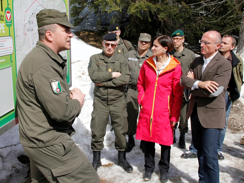 Verteidigungsminister Gerald Klug und Innenministerin Johanna Mikl-Leitner haben einen Plan vor Augen